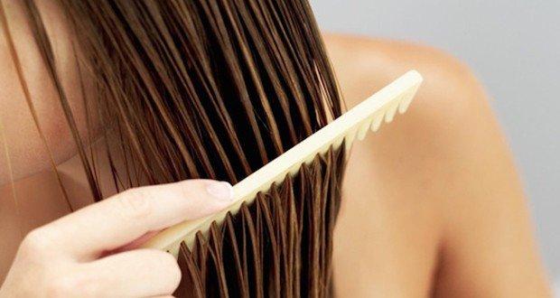 vous-allez-au-lit-avec-les-cheveux-mouilles-voici-pourquoi-vous-devez-immediatement-arreter-de-le-faire